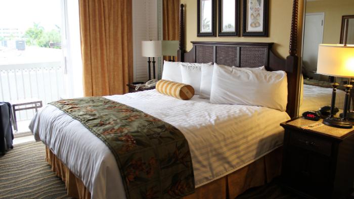 高級ホテル_ベッド