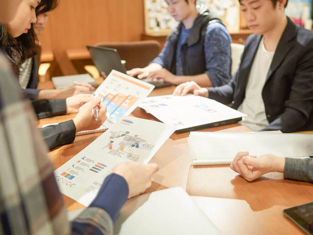 社内の広告業界クリーン化対策グループのイメージ写真